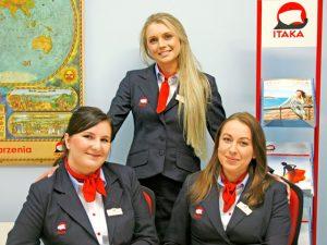 Biuro podróży Itaka postawiło na pełny uniform